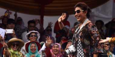 Begini Gaya Menteri Susi di Jember Fashion Carnaval ke-15