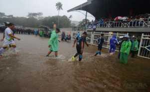 Stadion Wiradadaha Digenangi Air Setinggi 30 Cm