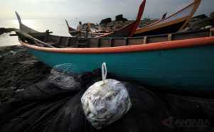 Nelayan Tradisional Kurangi Melaut
