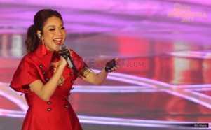 MISS INDONESIA 2017: BCL Tampil Memukau dengan Gaun Merah Menyala