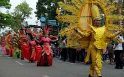 Pawai Budaya Ramaikan HUT ke-69 Provinsi Sumatera Utara