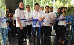 Gunting Pita, Hary Tanoe Resmikan Kantor Baru MNC Bank di Bali