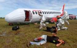 Simulasi Evakuasi Penanggulangan Pesawat Andalas Air