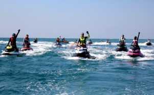 Keseruan Konvoi Bermain Jet Ski ke Pulau Pramuka