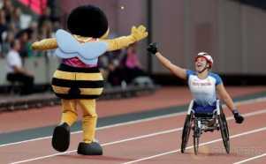Saat Lebah Raksasa Tos dengan Atlet Penyandang Disabilitas