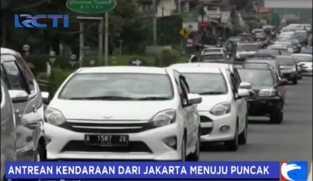 Antrean Kendaraan dari Jakarta Menuju Puncak