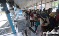 Penumpang Transjakarta Diingatkan soal Protokol Kesehatan Cegah Covid-19