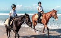 Intip Potret Dian Sastro Berkuda Bareng Sang Putri