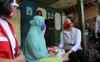 Kemensos Salurkan Bansos untuk Warga Terdampak Covid-19 di Desa Tegal, Kabupaten Bogor