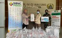MNC Peduli dan Produser Pangan Asia Salurkan Makan Siang ke RS Kesdam Jaya Cijantung