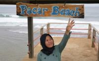 Keindahan Pantai Pacar di Pelosok Tulungagung