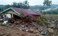 Banjir Bandang Hantam 7 Rumah Warga di Desa Bolapapu, Selawesi Tengah