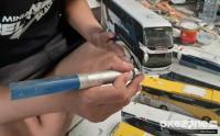 Perajin Miniatur Bus di Masa Pandemi Pasarkan Dagangan Secara Daring