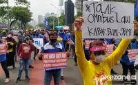 Aksi Buruh Tolak Pengesahan RUU Omnibus Law Cipta Kerja