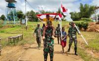 Warga Perbatasan RI-PNG Diajak Kibarkan Bendera Merah Putih
