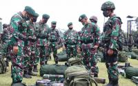 Pemeriksaan Kesiapan Tugas Operasi Yonif Raider 515 Kostrad