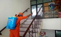 PPSU Semprot Disinfektan di Kelurahan Rawa Bunga