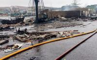 Kebakaran Hanguskan Gudang dan Pemukiman Warga di Kalibaru, Jakarta Utara