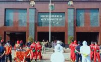 Damkar Gelar Apel Persiapan Penyemprotan di Kantor Wali Kota Jakarta Pusat