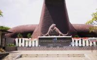 Intip Aktivitas Reptil di Museum Fauna Indonesia Komodo dan Taman Reptilia