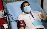 Aksi Sosial Ratusan Relawan RS Darurat Covid-19 saat Ikuti Donor Darah
