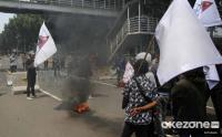 Aksi BEM Seluruh Indonesia di Patung Kuda