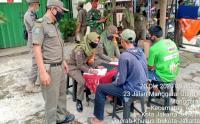 Pasukan Gabungan Gelar Operasi Tertib Masker di Kawasan Manggarai