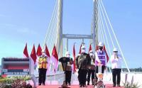 Presiden Jokowi Resmikan Jembatan Teluk Kendari