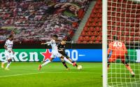 Melihat Gol Indah Lucas Alario Saat Leverkusen Hajar FC Porto di Liga Europa