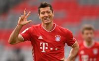 Lewandowski Hattrick, Bayern Munchen Lumat Eintracht Frankfurt