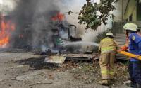 Kebakaran Bus di Ciladak Jakarta Selatan