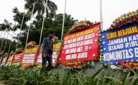 Dukung Pencopotan Baliho Habib Rizieq, Markas Kodam Jaya Dipenuhi Karangan Bunga