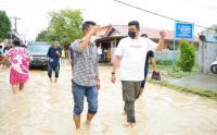 Cawalkot Bobby Nasution Tinjau Lokasi Banjir Bandang di Kota Medan