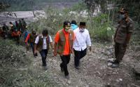 Kepala BNPB dan Gubernur Khofifah Tinjau Lokasi Terdampak Erupsi Gunung Semeru
