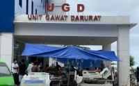 Korban Gempa Mamuju Dirawat di Teras UGD Rumah Sakit