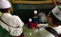 Ratusan Pelayat Hadiri Pemakaman Habib Ali Abdurrahman Assegaf