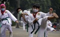 Gunakan Masker saat Berlatih Karate