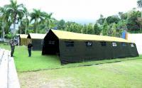Prajurit TNI Bangun Tenda Pengungsian dan Pelayanan Kesehatan untuk Korban Gempa di Mamuju