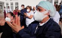 Perawat di Meksiko Meninggal karena Covid-19, Keluarga dan Teman Beri Penghormatan