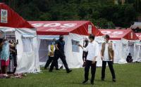 Jokowi Tinjau Pengungsi Korban Gempa Mamuju