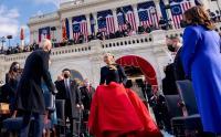 Pakai Gaun Hitam dan Merah, Lady Gaga Hadiri Pelantikan Joe Biden