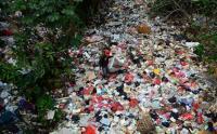 Kesadaran Rendah, Kali Cijantung Depok Penuh dengan Sampah