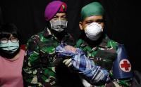 Prajurit Marinir Bantu Persalinan Pengungsi Gempa Sulbar