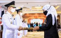 Gubernur Khofifah Lantik 17 Kepala Daerah Hasil Pilkada 2020