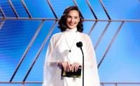 Cantiknya Gal Gadot Hadiri Penghargaan Golden Globe Awards