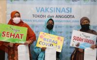 Tokoh Muhammadiyah dan Aisyiyah Jawa Timur Disuntik Vaksin Covid-19