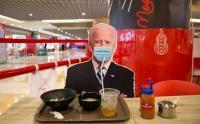 Makan di Restoran Ini Ditemani Jokowi hingga Donald Trump