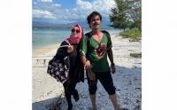 Foto-Foto Kebersamaan Rina Gunawan dan Teddy Syah