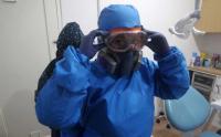 Dari APD hingga Kacamata Google, Begini Gaya Dokter Gigi saat Pandemi