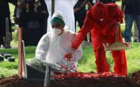 Pemakaman Rina Gunawan Dilakukan dengan Protokol Covid-19